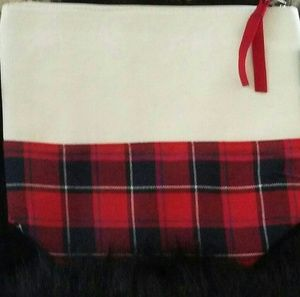 Crown and Ivy Cosmetic bag